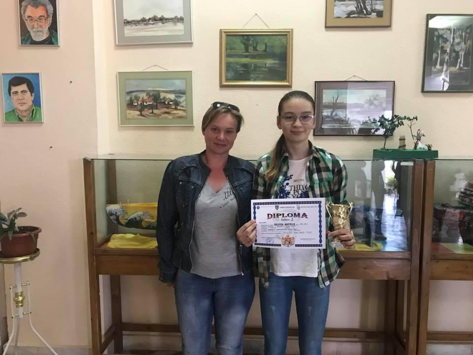 Hristea Andreea Beatrice obţine primul loc la faza judeţeană a Olimpiadei Naţionale Şcolare la Şah
