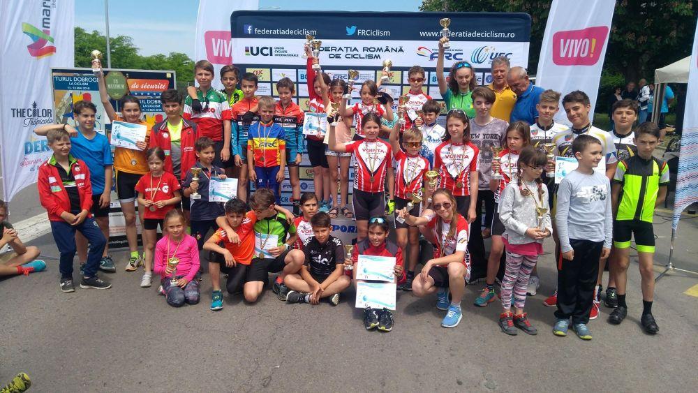 Tinerii biciclişti tulceni, pe podium, la Constanţa