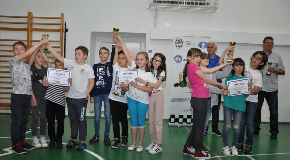 """Campionatul Național Școlar de Șah """"Elisabeta Polihroniade"""" – Echipe Mixte - Etapa Județeană"""