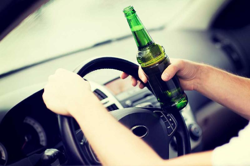 Depistați la volan fiind sub influența alcoolului