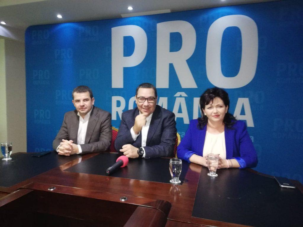 Ştefana Zibileanu a făcut pasul către partidul lui Ponta. Oficial, cu 50 de membri PNL după ea!