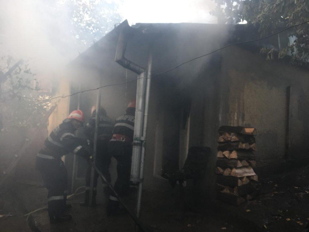 Incendiu provocat de... o baie lipovenesacă