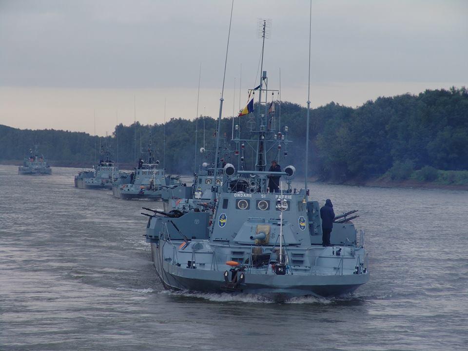 Exerciții militare pe Dunăre, cu muniție de război