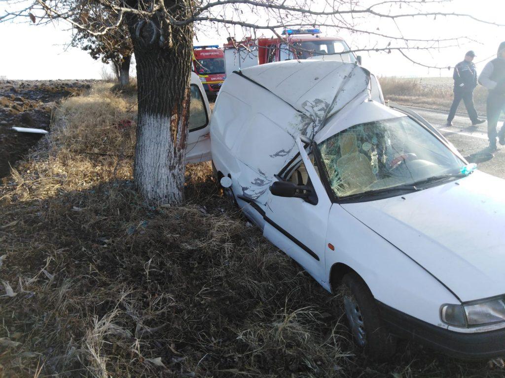 Doi răniţi într-un accident rutier între Nalbant şi Izvoarele