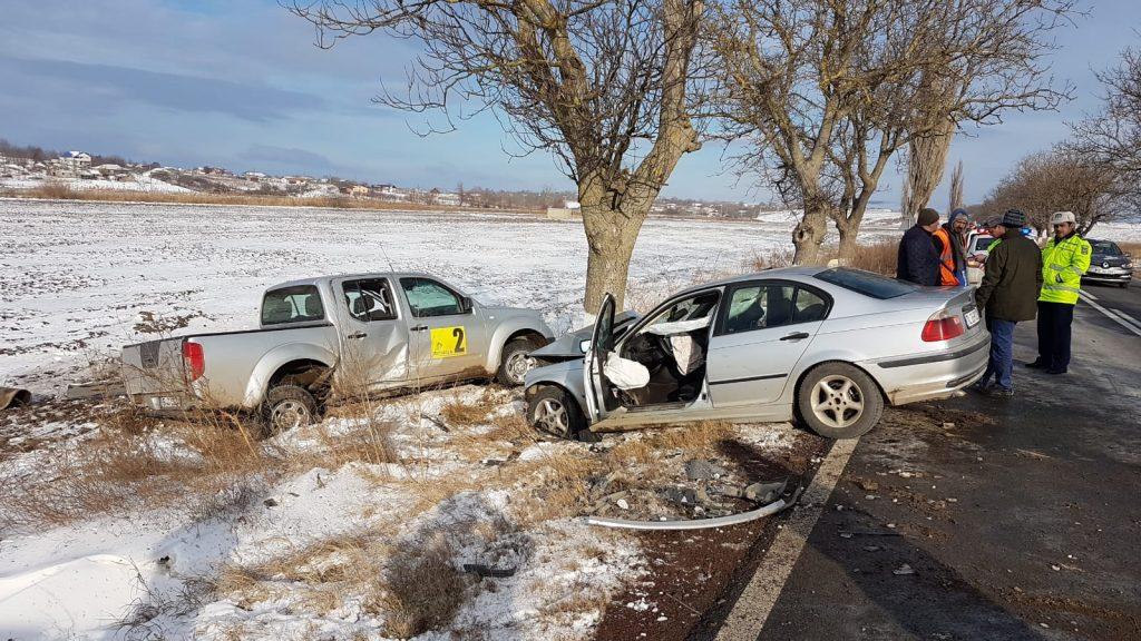 Accident aproape de Mihail Kogălniceanu. Două persoane au fost rănite