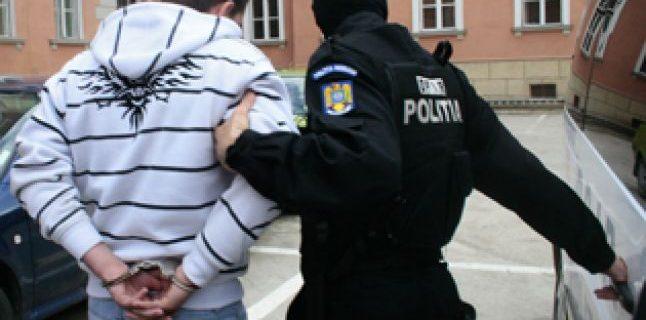 Proxenet din Cerna arestat pentru a fi extrădat in Belgia, pentru trafic de carne vie