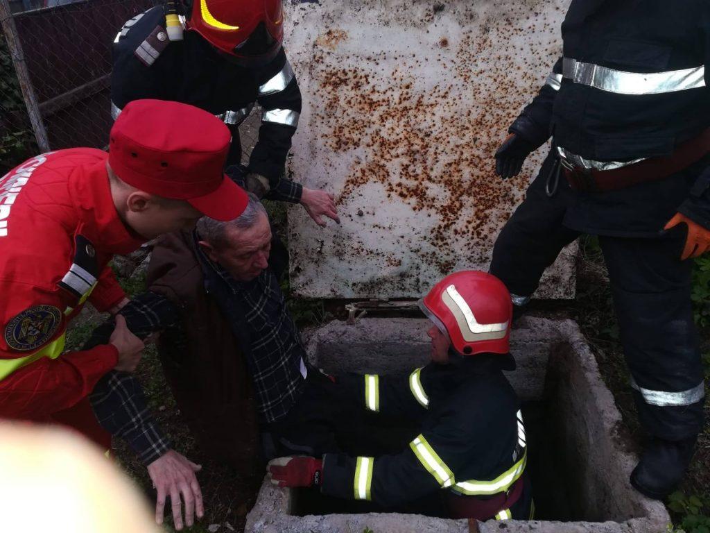 Salvat de pompieri din căminul apometrului