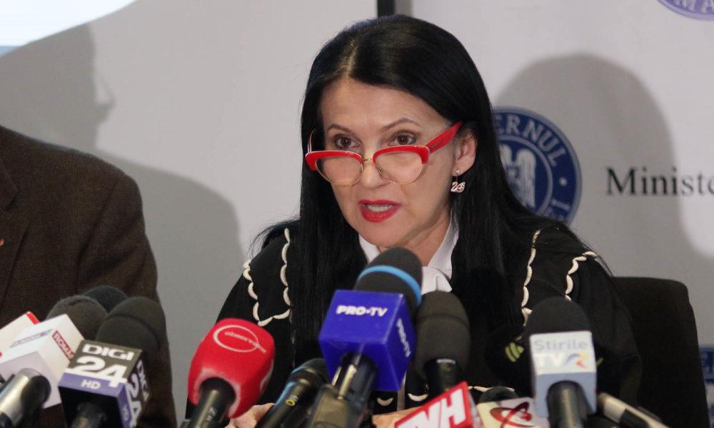 Ministrul Sănătăţii a preluat cazul fetei arse din deltă. Aceasta va fi transferată în Belgia