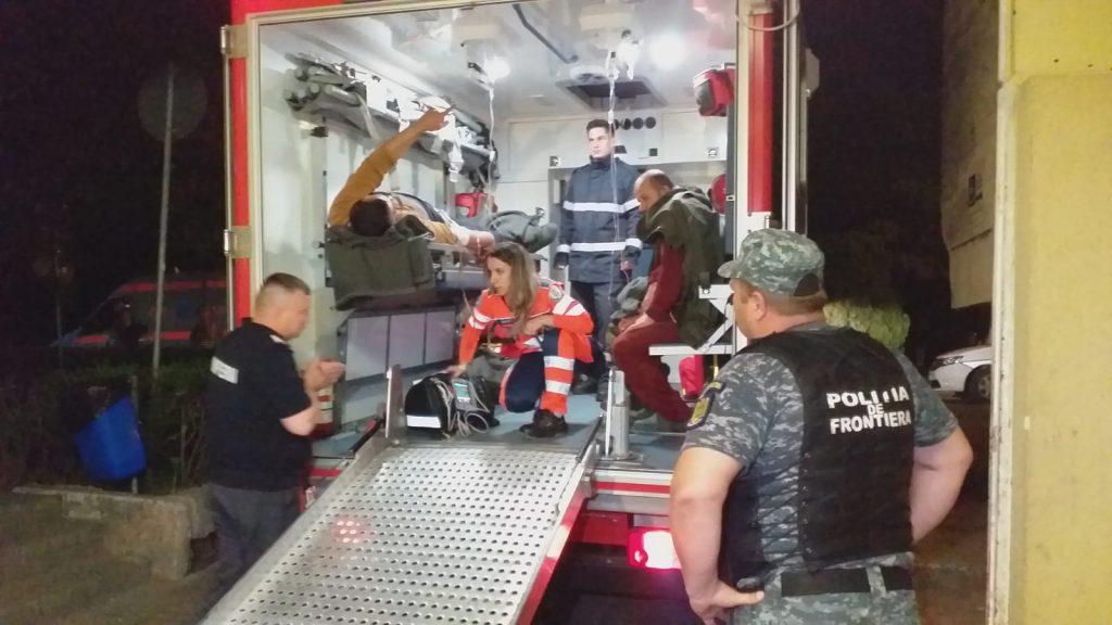 (VIDEO)Barcă turcească de pescuit oprită cu focuri de armă de Garda de Coastă. Ambarcațiunea s-a scufundat