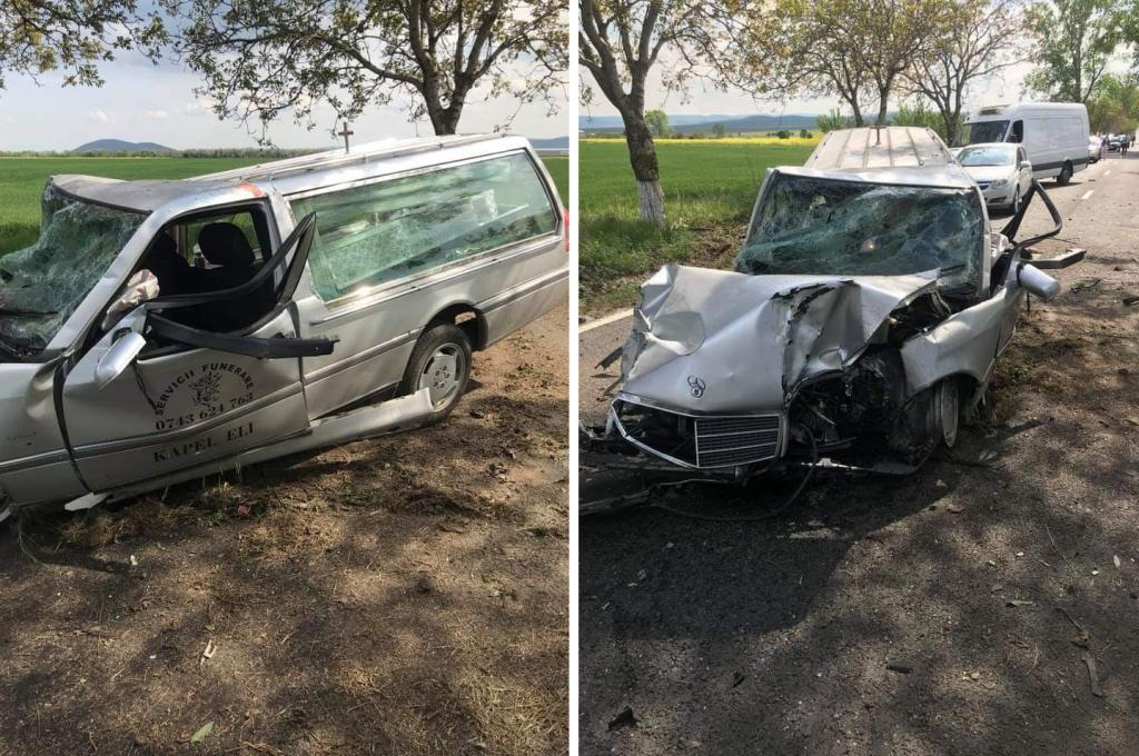 Maşina mortuară făcută zob între Cataloi şi Nalbant. Șoferul a fost transportat la spital