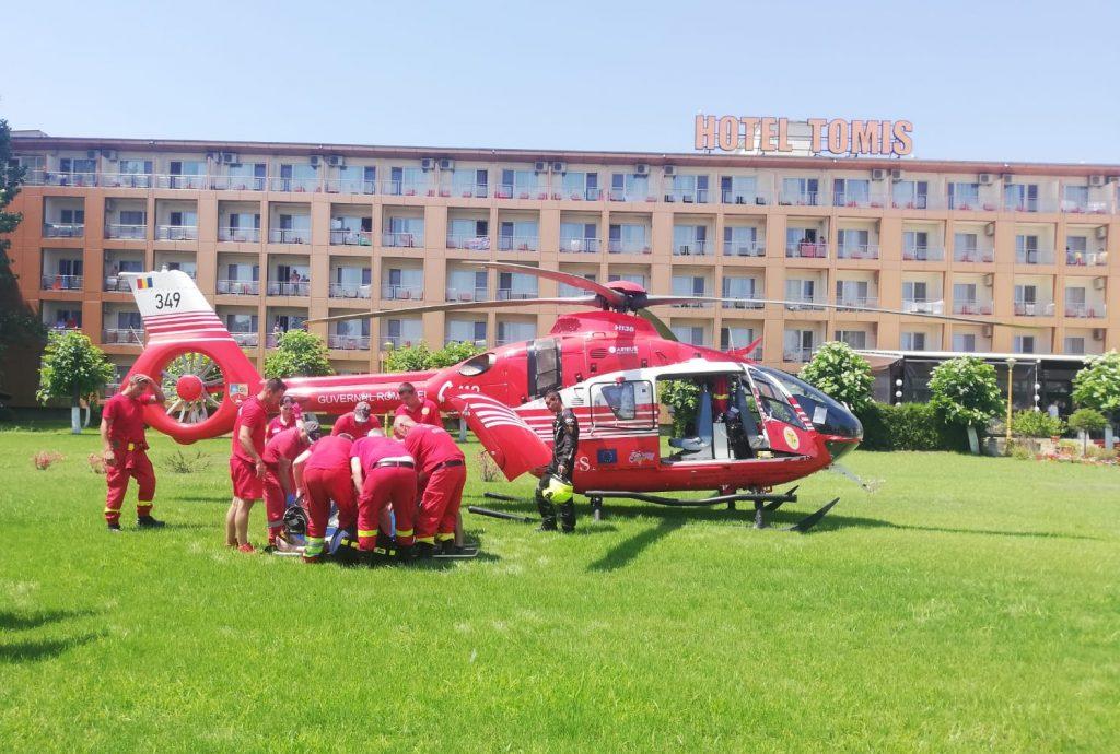 Bărbat din Tulcea luat cu elicopterul SMURD de pe plaja Mamaia (Video)