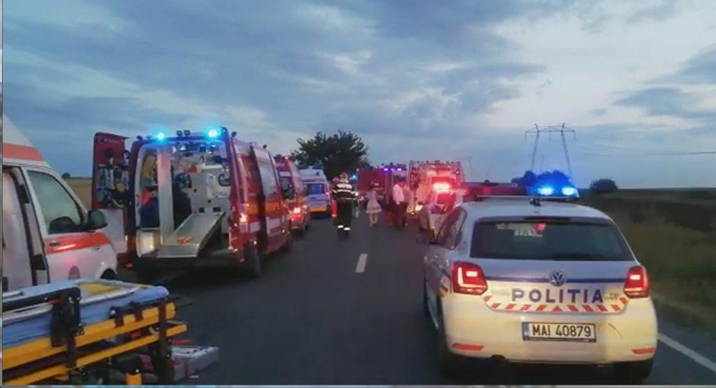 Trei tulceni morţi, doi în comă şi doi răniţi grav într-un accident produs azi la Lumina - Constanţa (Video)