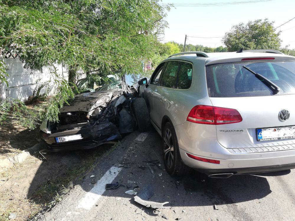 Doi copii şi trei adulţi răniţi într-un accident la Cataloi! Au fost deplasate trei ambulanţe