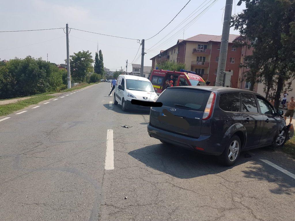 Accident la Măcin. Două persoane nevinovate au ajuns la spital