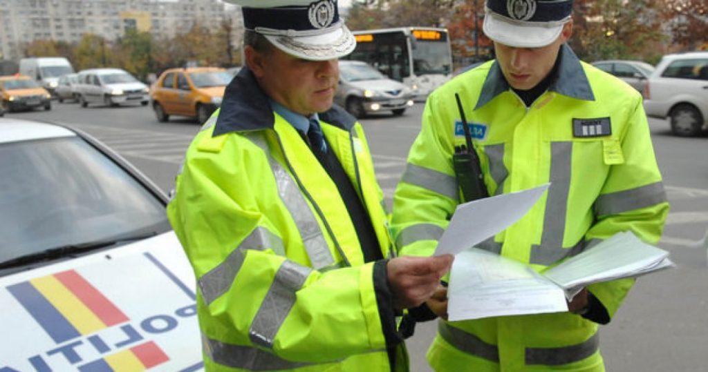 Poliţia vă reaminteşte cum să circulaţi pe stradă! Unii au cam uitat...