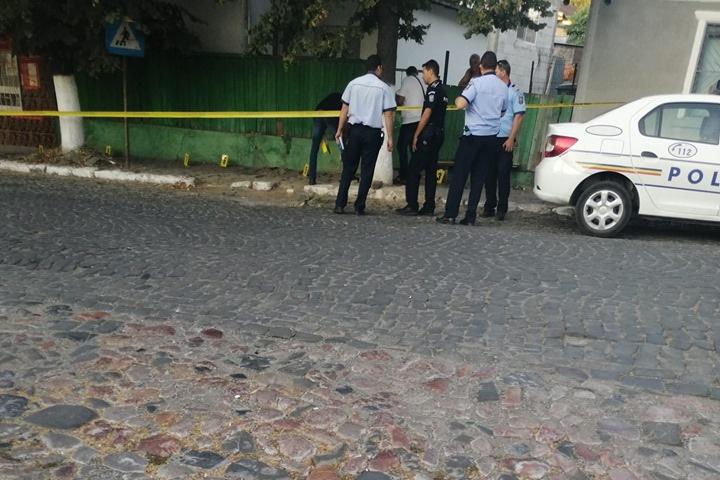 Atacatorul femeii înjunghiate este în arest şi azi va fi propus pentru arestare preventivă