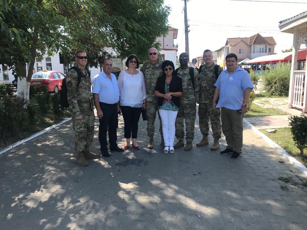 Medici militari din SUA şi România în misiune comună umanitară în Delta Dunării