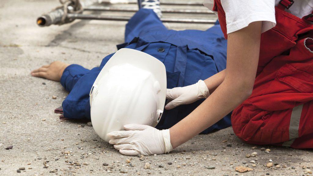 Accident mortal la Vard. Un muncitor a murit strivit de o tablă