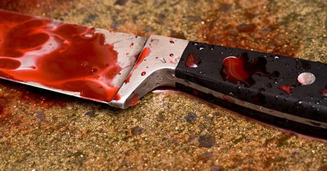 O femeie a fost înjunghiată în gât de către concubin şi a fost abandonată în stradă, într-o baltă de sânge