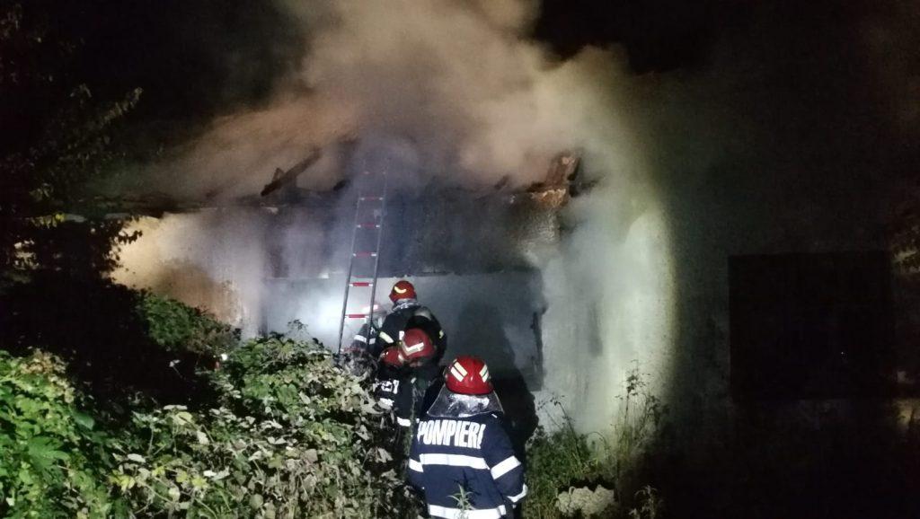 Un barbat a murit într-un incendiu produs în această seară la Horia