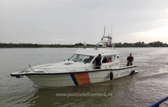 Mai multe forțe au intervenit pentru salvarea unui cetățean român care se pierduse în mlaștină în Delta Dunării