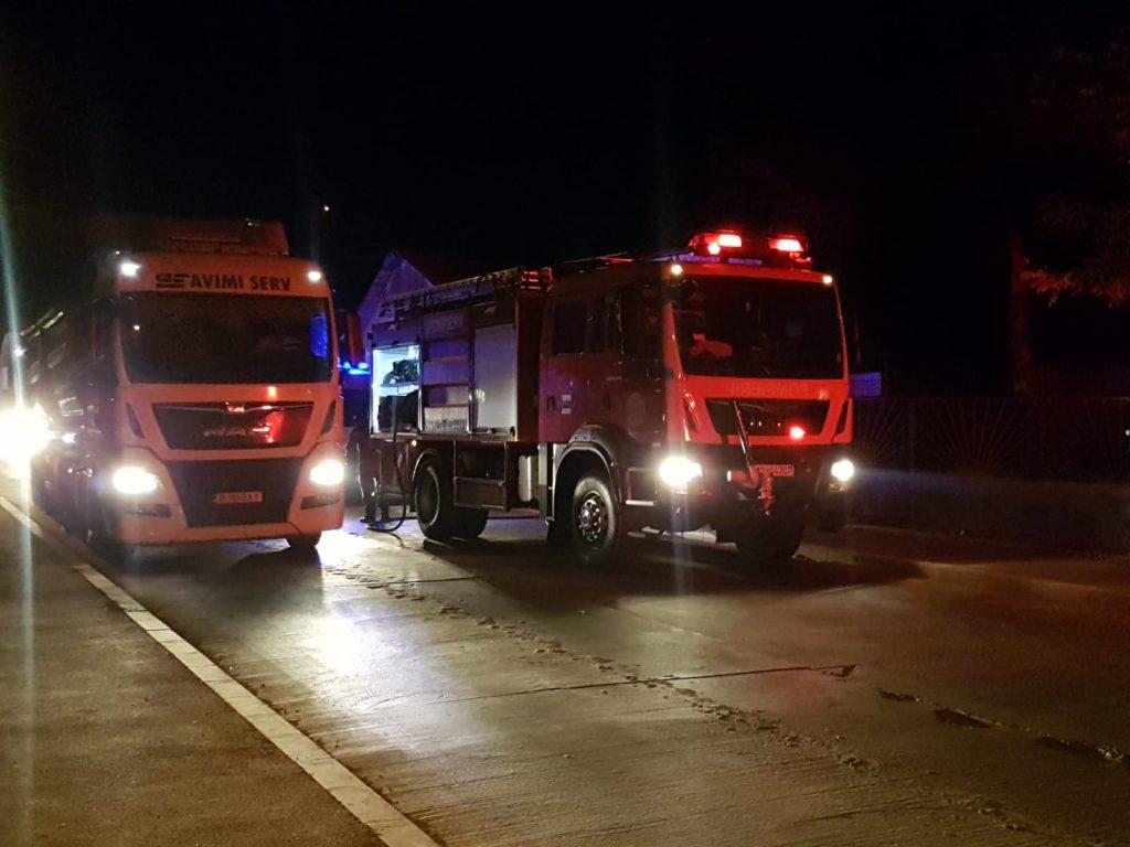 Incendiu în zona Tremag. Patru maşini de pompieri au plecat la alarmă