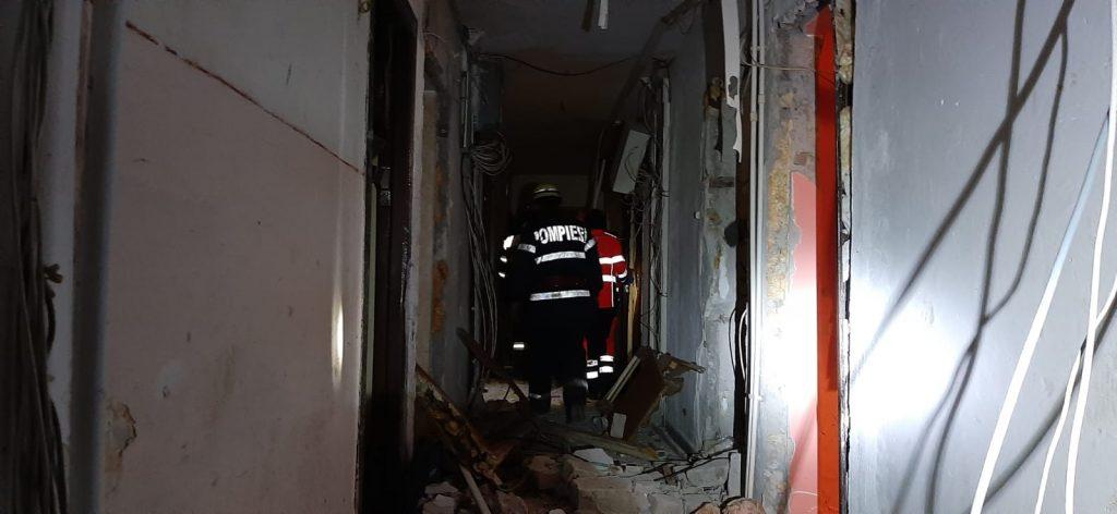 O butelie a explodat in Vest, la I 3. Patru oameni au ajuns la spital. 24 de garsoniere sunt afectate (VIDEO)