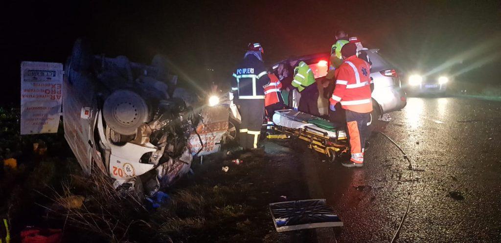 Un mort şi trei răniţi în urma unui accident rutier lângă Baia (VIDEO)