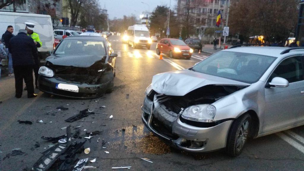 Accident pe strada Păcii. Un bătrân a ajuns la spital