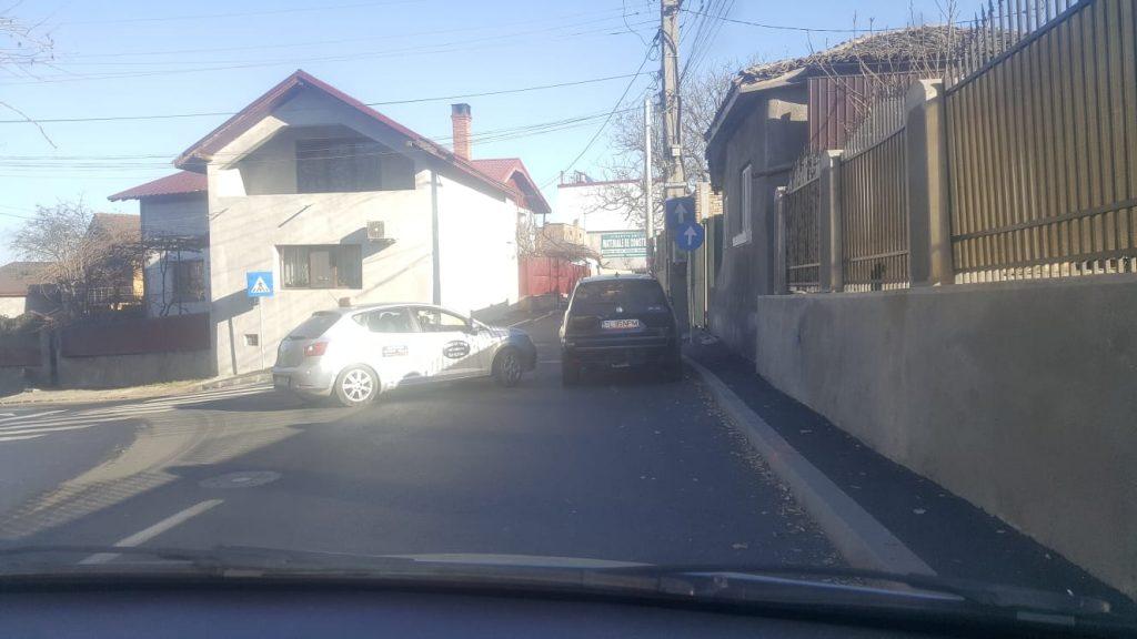 S-au schimbat regulile de circulaţie într-o intersecţie din municipiu. Vezi cum...
