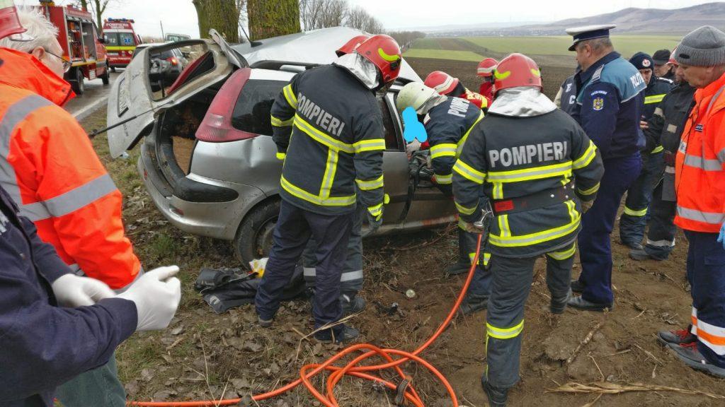 (Video) Accident pe drumul Tulcea - Agighiol. Un bărbat a murit şi o femeie a fost rănită grav