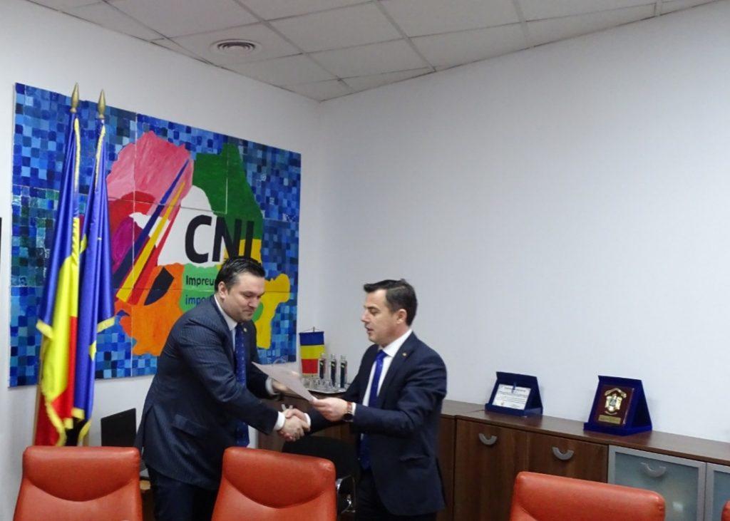 Ministrul prins în poză cu Mita. O sală de sport ca un OZN se va face la Tulcea