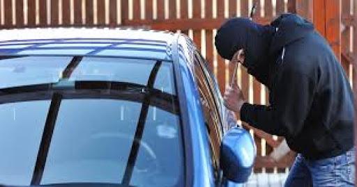 Arestați pentru furt de auto