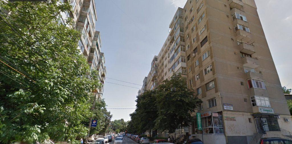 O tânără de 15 ani s-a aruncat în gol de la etajul 6