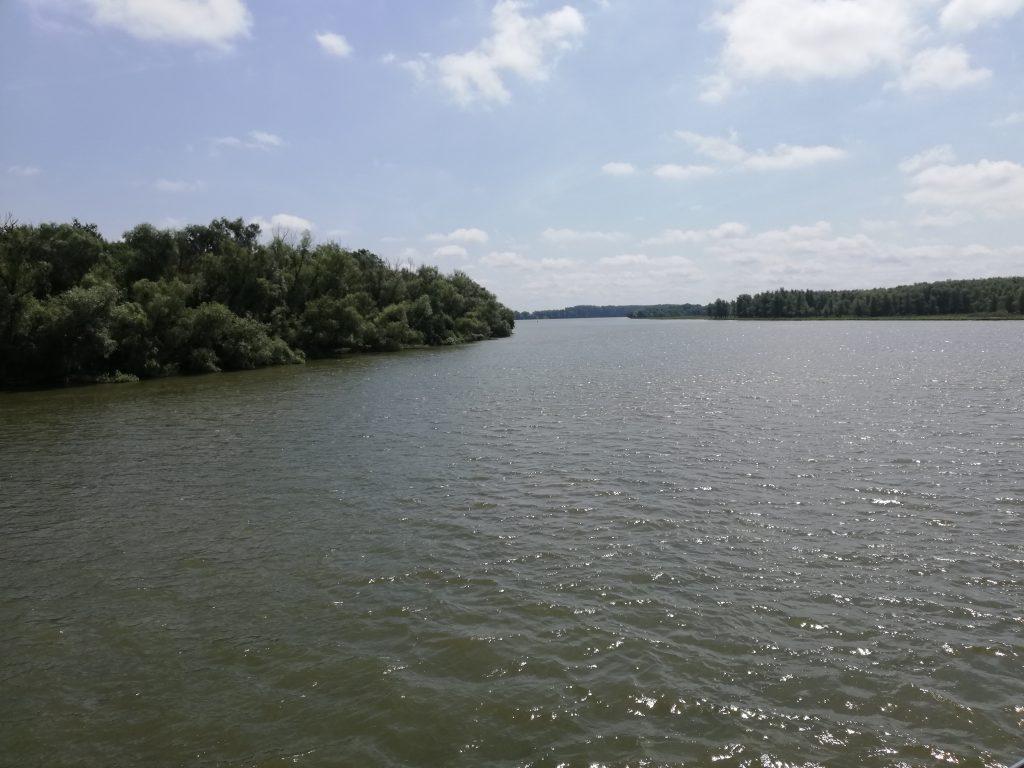Trupul pescarului dispărut vineri a fost găsit la şase mile în aval. Omul era fratele primarului din Ceatalchioi