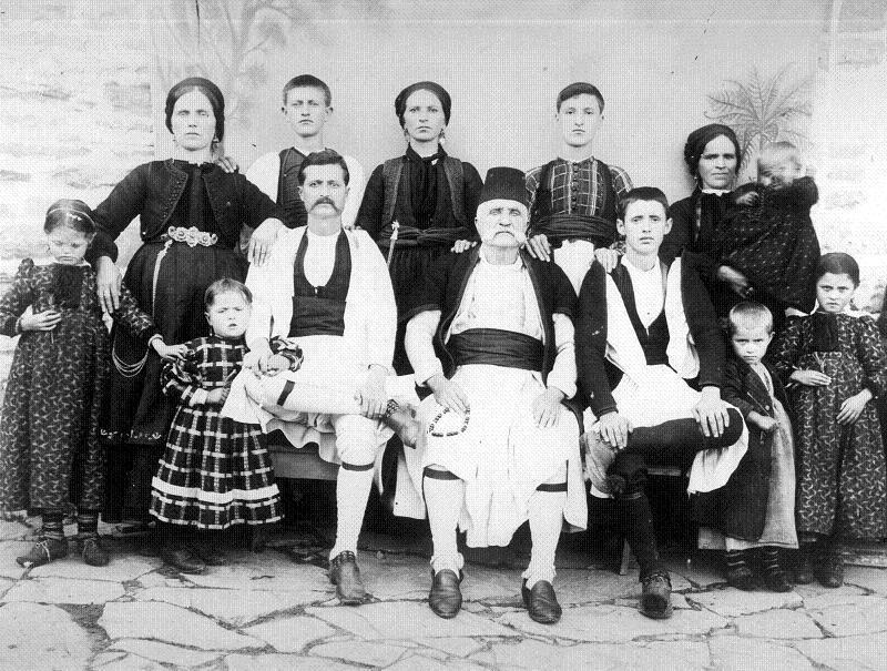 Tra multsâ anji, Armâname! 23 mai - Ziua Națională a Aromânilor
