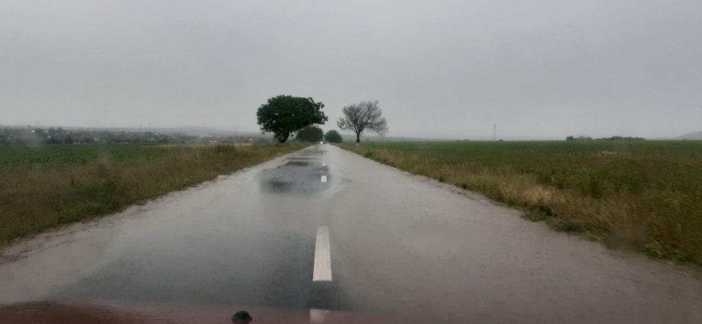 Drum naţional din nou sub ape! Trafic rutier blocat