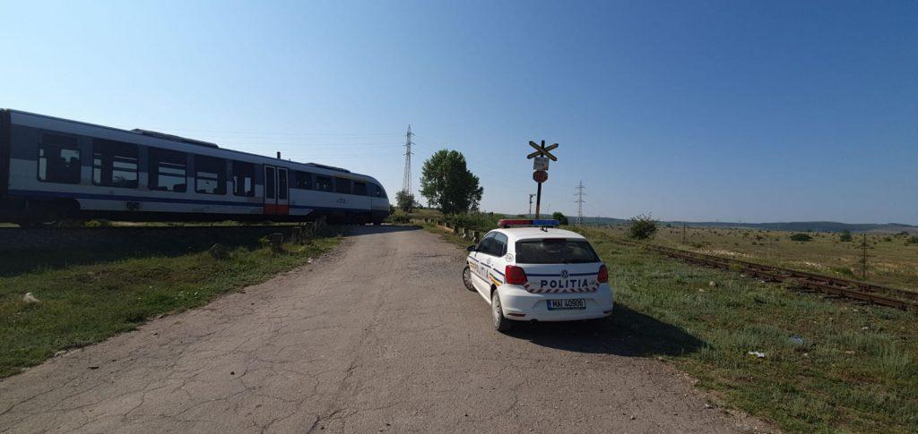 Maşină lovită de tren pe drumul care duce la Gara de mărfuri