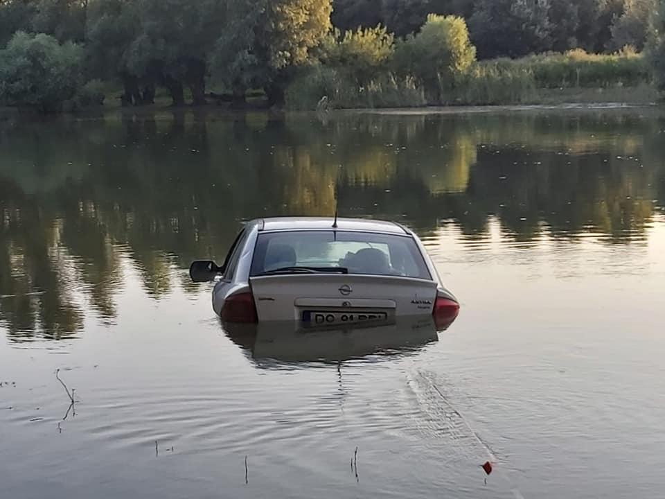 Meseriaşi la pescuit... în Delta Dunării