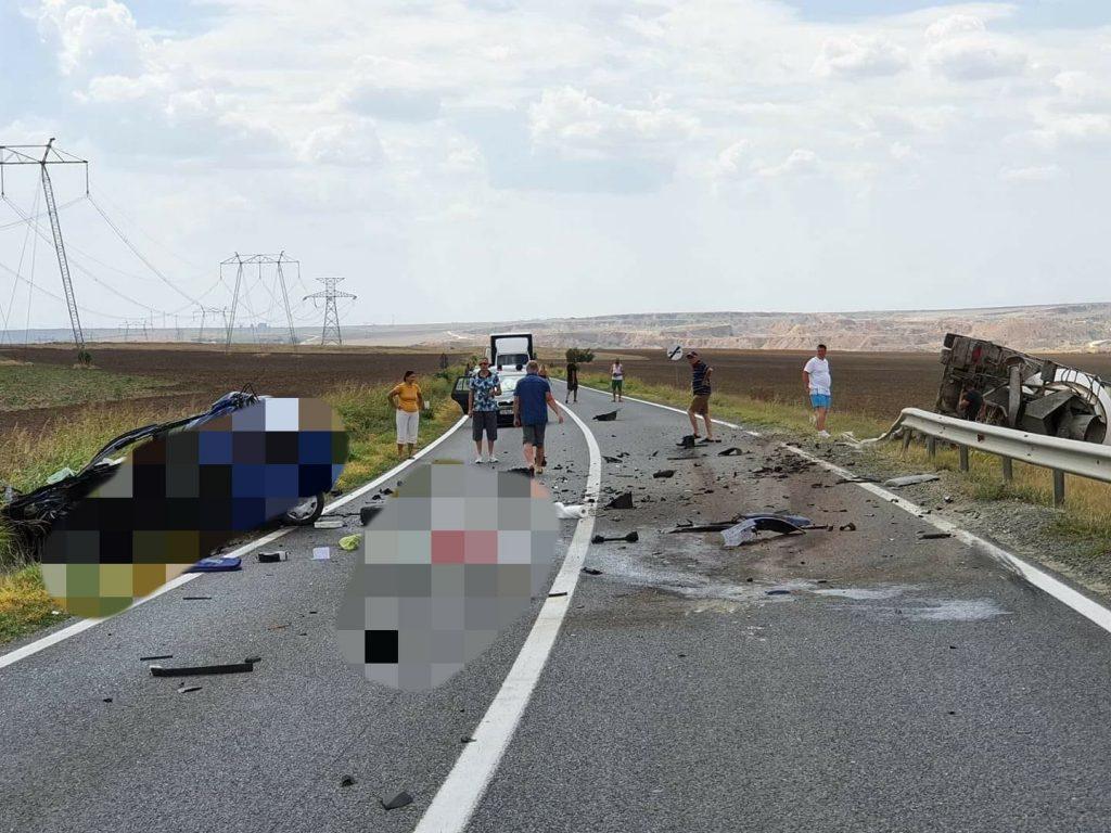 Încă un om a murit pe șoseaua Constanța - Tulcea. A intrat în plin într-o betonieră