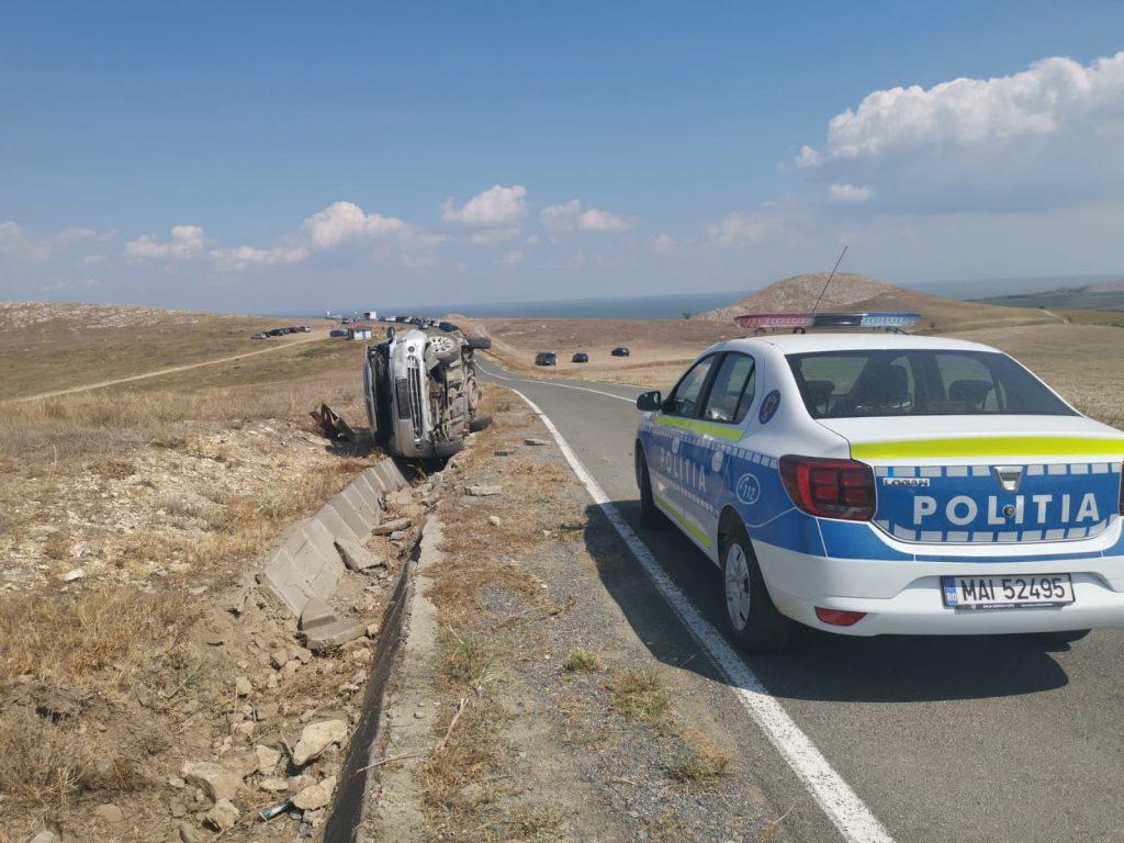 Doi răniți în accident aproape de Cetetea Enisala