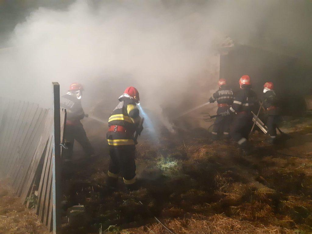 Incendiu de la un rest de țigară aprinsă, la Valea Nucarilor