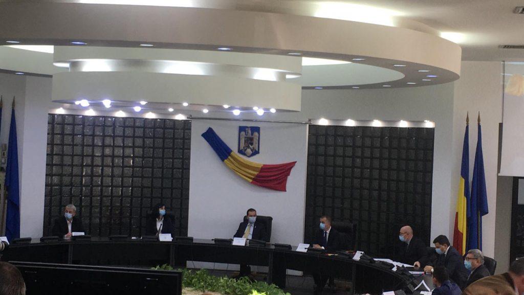 Primarul şi consilierii municipali au depus jurământul