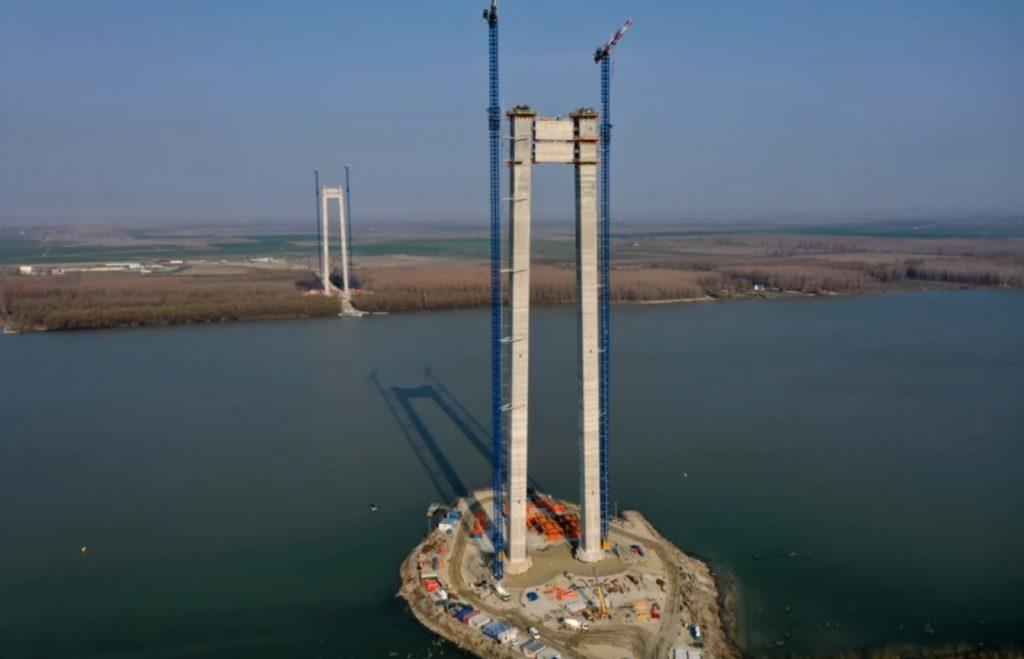 Stadiul lucrărilor la pod: Operațiunea de plasare a cablurilor va începe în luna iunie!