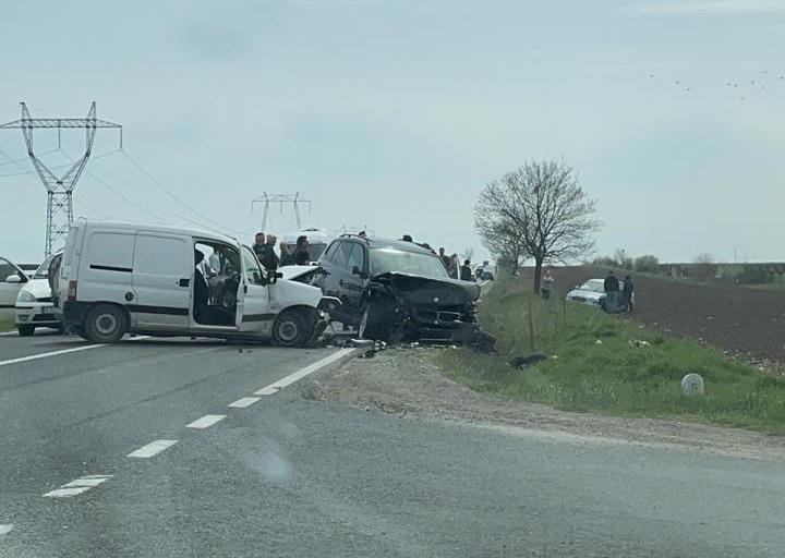 DN 22 Constanţa - Tulcea, blocat din cauza unui accident cu 3 autovehicule