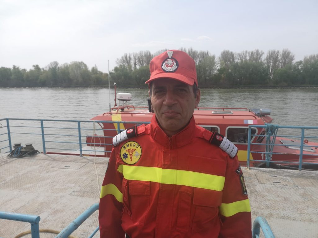 Un pompier aflat în timpul liber a salvat un om de la moarte