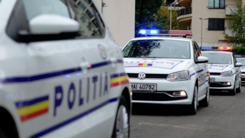 Doi tulceni au lovit o femeie cu pumnii şi picioarele în cap şi au ameninţat că o omoară