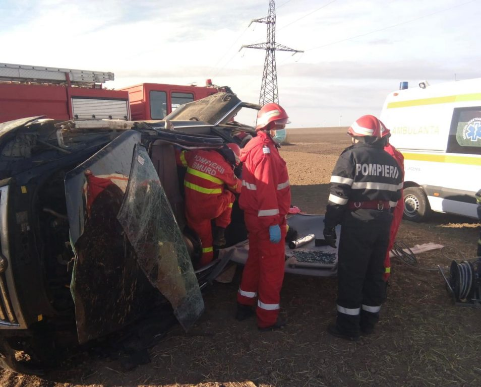 Un mort și doi răniți în urma unui accident lângă Topolog